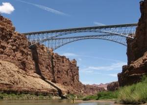 Passing_Navajo_bridge